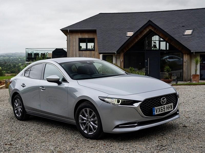 У Mazda 3 появится мощная версия с турбомотором и полным приводом
