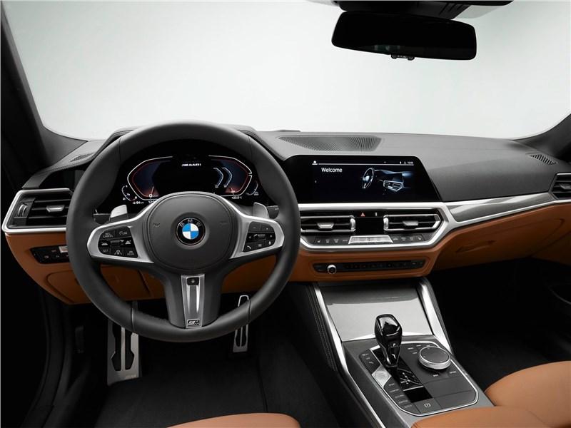 BMW 4-Series Coupe 2021 салон