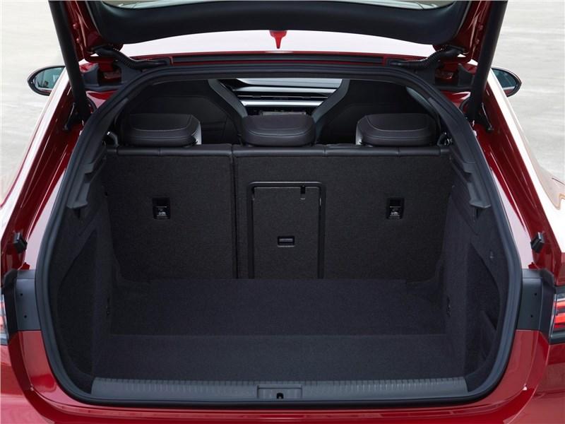 Volkswagen Arteon (2021) багажное отделение