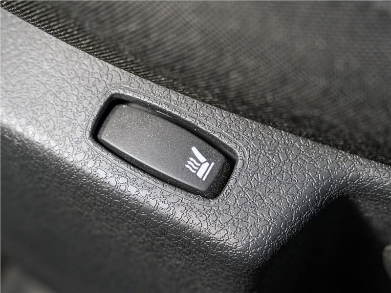 Renault Logan Stepway 2018 клавиша подогрева