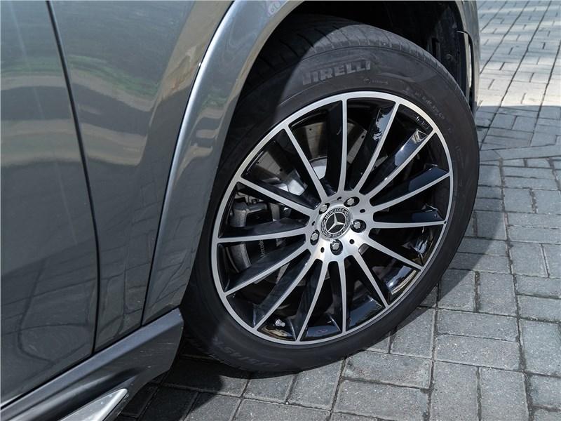 Mercedes-Benz GLE Coupe 2020 переднее колесо