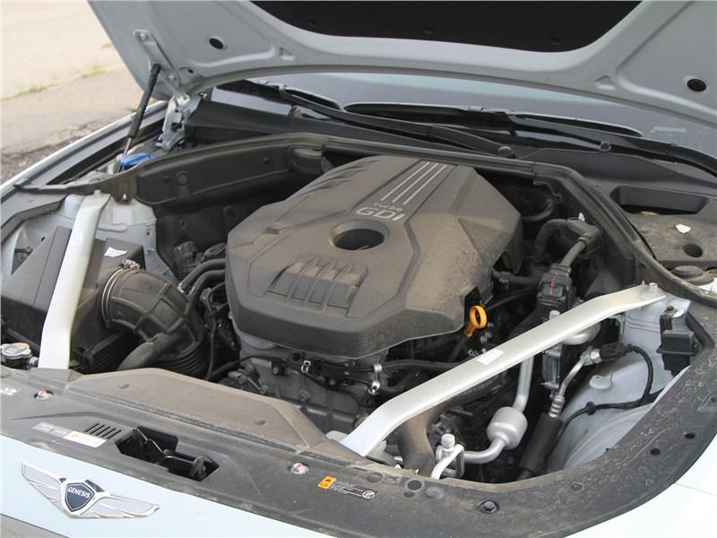 Genesis G70 2019 моторный отсек