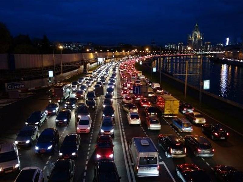 Московские пробки вернулись к доковидным показателям