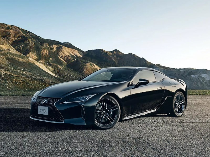 Представлен ультра-черный Lexus LC500