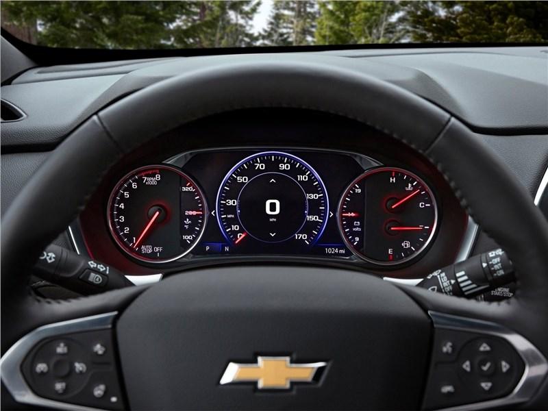 Chevrolet Traverse (2021) приборная панель