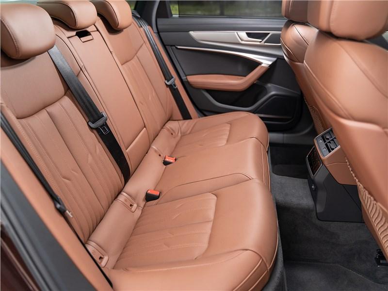 Audi A6 45 TDI (2020) задний диван