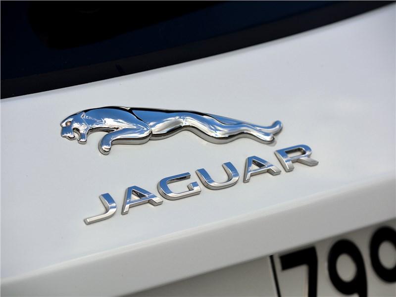 Jaguar E-Pace (2018) логотип