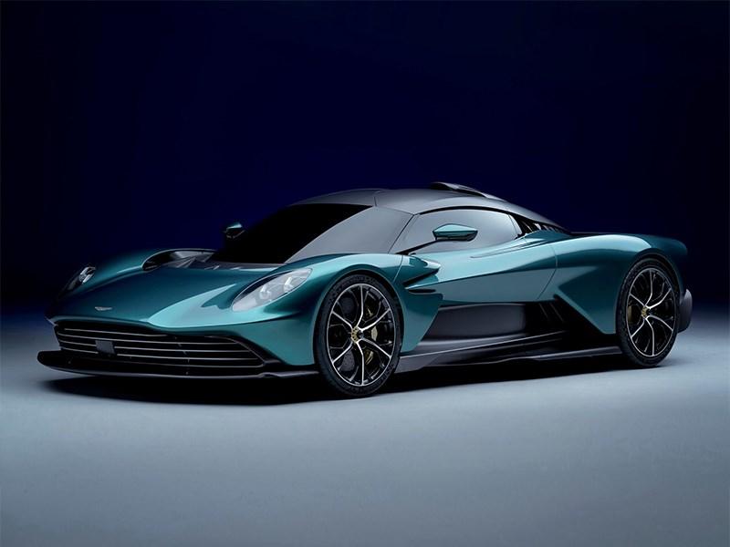 В Aston Martin показали свой первый гибрид