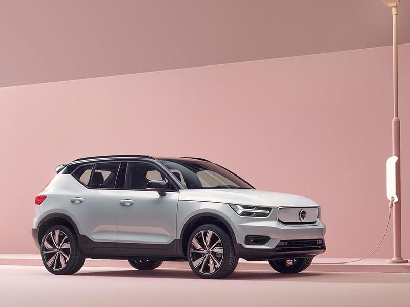 Volvo привезет в Россию сразу два электрических кроссовера