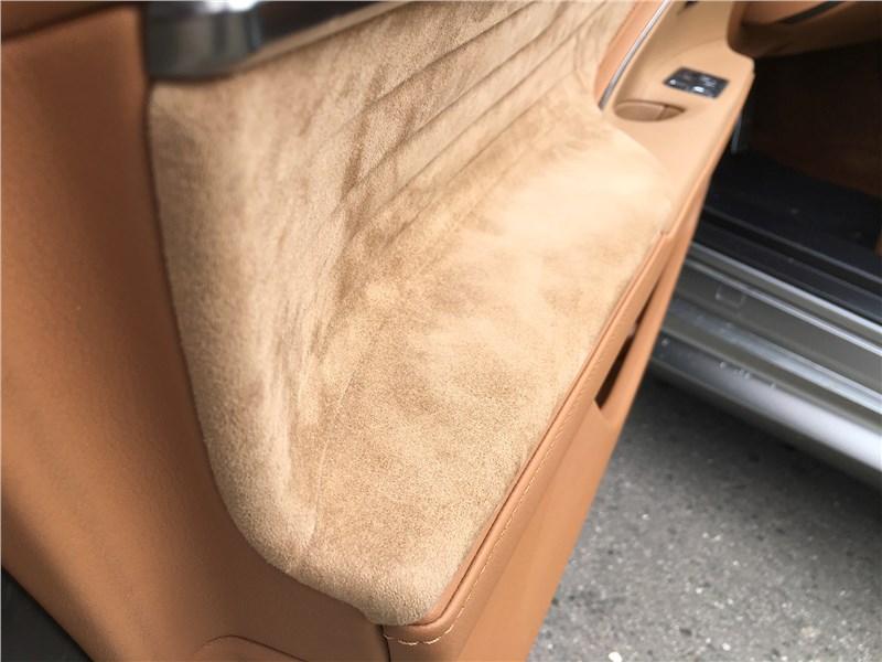 Lexus LC 500 (2021) дверь