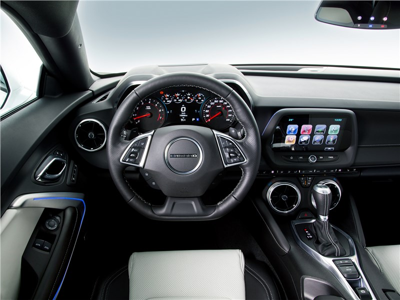 Chevrolet Camaro 2016 салон