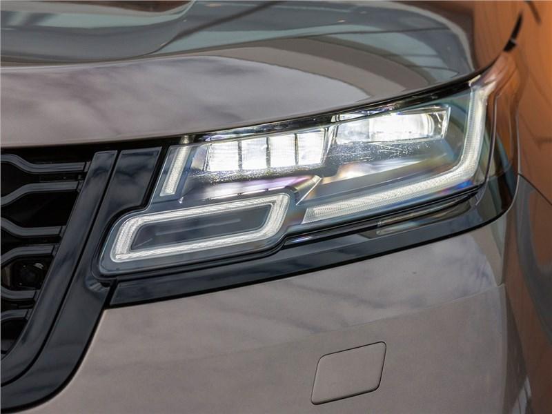 Range Rover Velar 2017 передняя фара