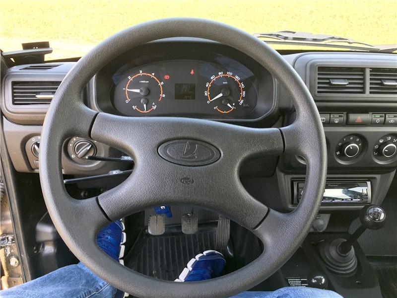 Lada 4x4 2019 руль