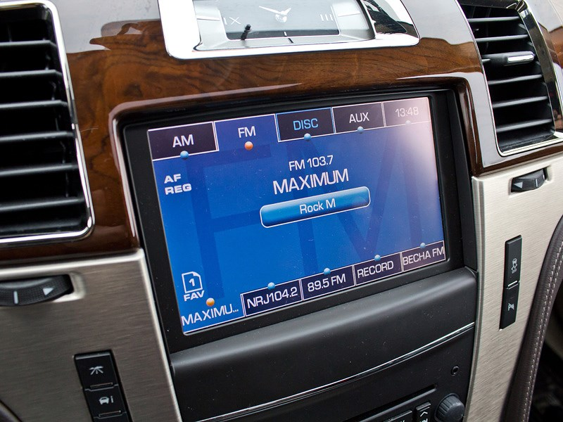 Cadillac Escalade 2009 монитор компьютера