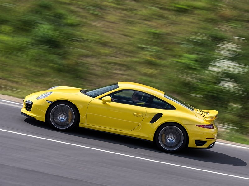 Porsche 911 Turbo 2013 вид сбоку