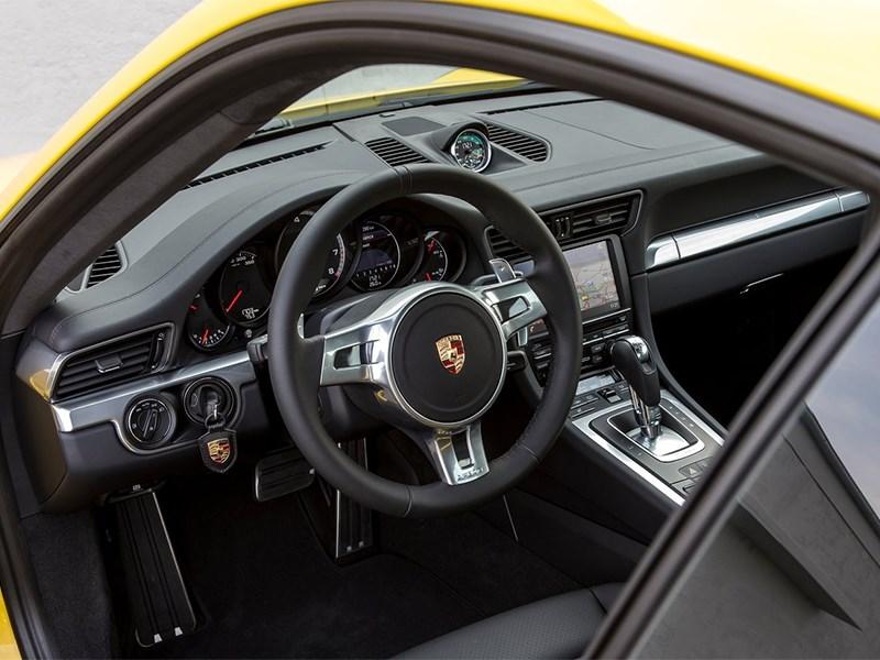 Porsche 911 Turbo 2013 водительское место