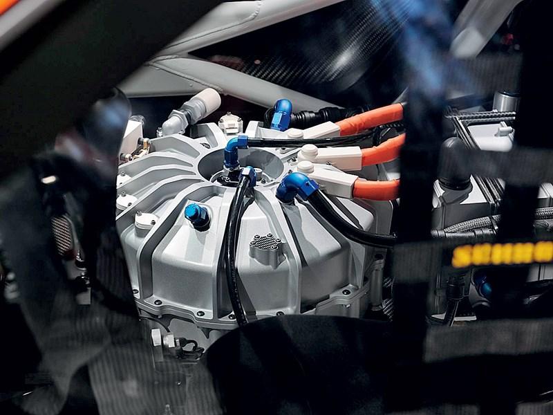 Porsche 911 GT3 R Hybrid 2.0 2013 маховик-накопитель системы KERS