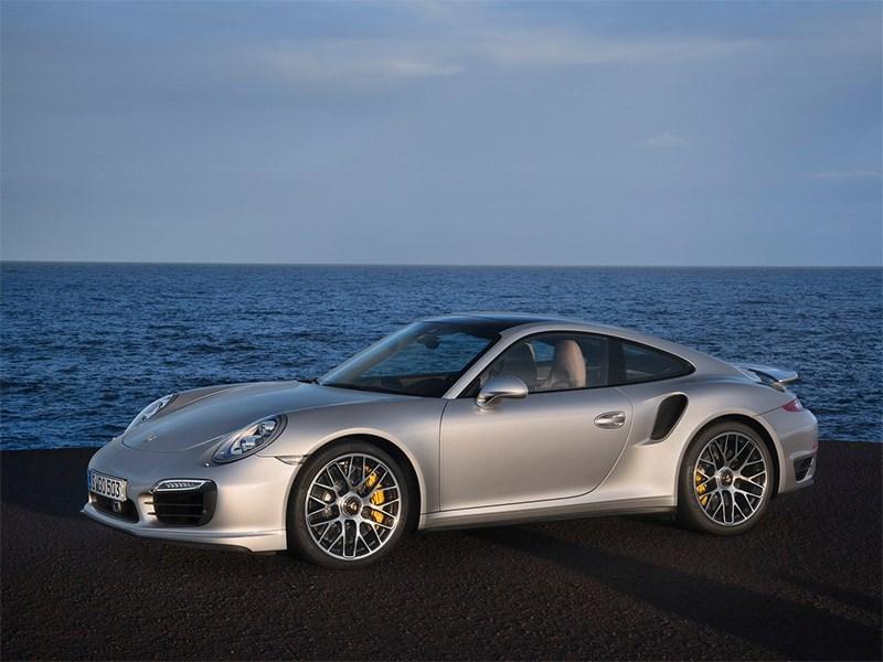 Porsche 911 Turbo S 2013 вид сбоку