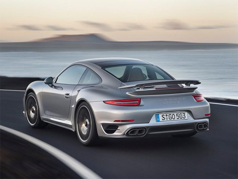 Porsche 911 Turbo S 2013 вид сзади