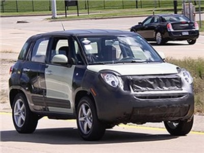 Jeep представит свой компактный внедорожник в марте