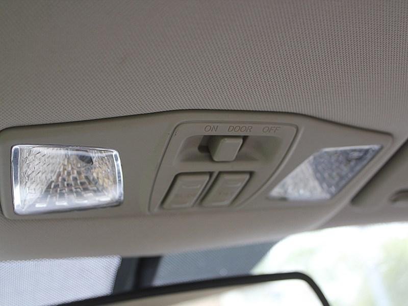 FAW Besturn B50 2012 плафоны салонного света