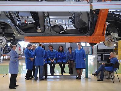 Под сокращение попадут около 13 тысяч сотрудников ОАО «АвтоВАЗ»