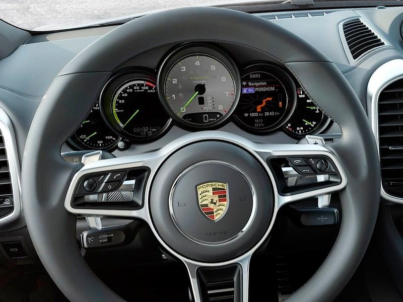 Porsche Cayenne 2015 приборная панель