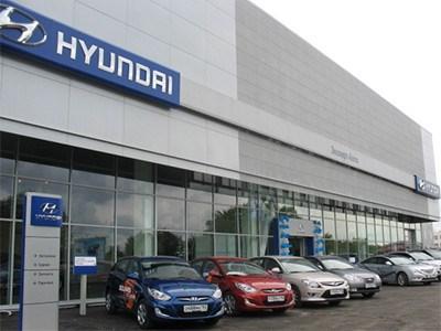 Продажи автомобилей Hyundai продолжают падать, но не так быстро, как авторынок в целом