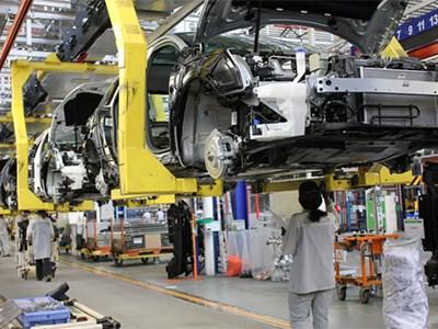 Peugeot Citroën и Mitsubishi сокращают производство своих машин в РФ