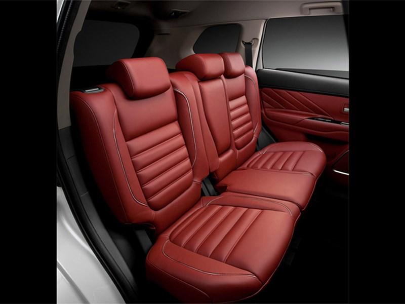 Mitsubishi Outlander PHEV Concept-S 2014 задний диван
