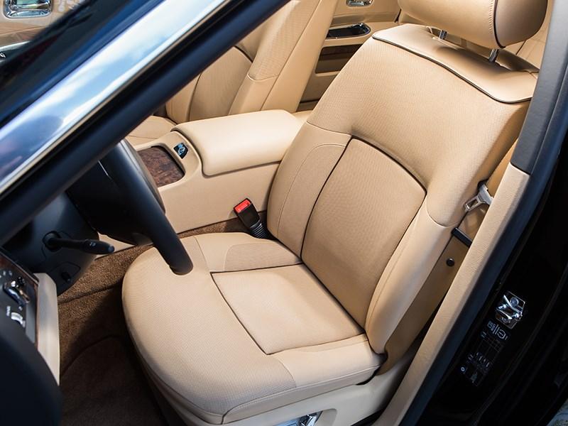 Rolls-Royce Ghost EWB 2013 передние кресла