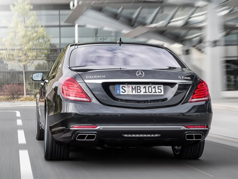 Mercedes-Maybach S 600 2015 вид сзади