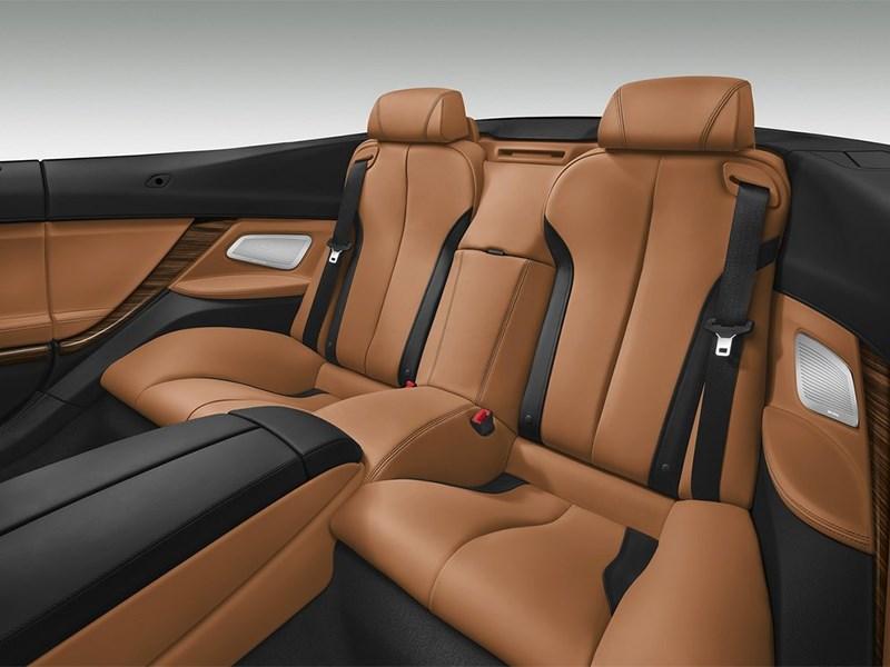BMW 6-Series Convertible 2015 задние кресла