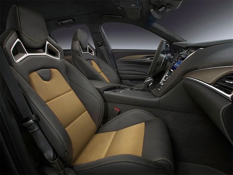 Cadillac CTS-V 2016 передние кресла