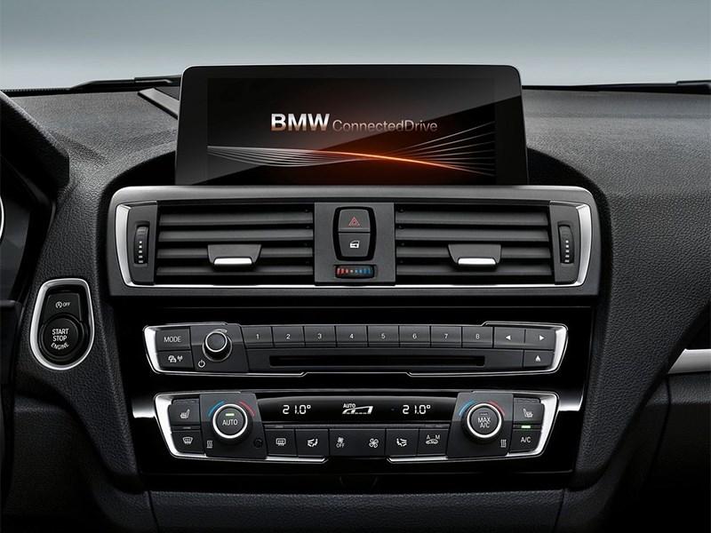 BMW 1-Series 2016 центральная консоль
