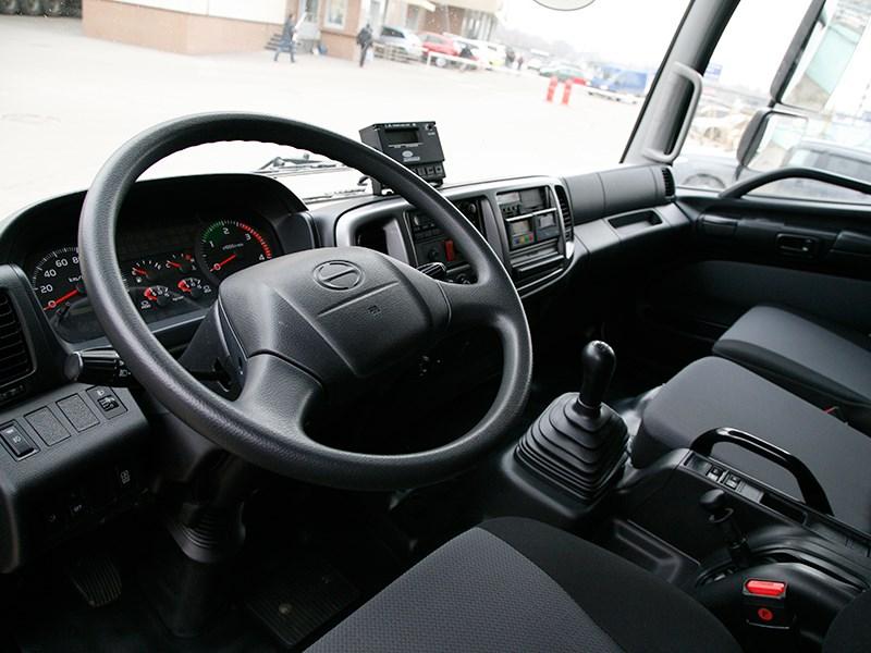 Hino 500 водительское место