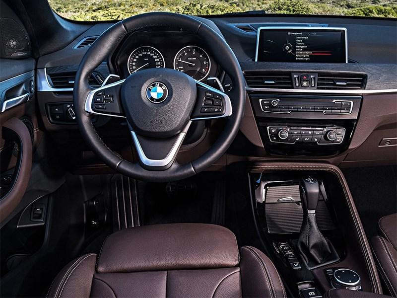 BMW X1 2016 водительское место