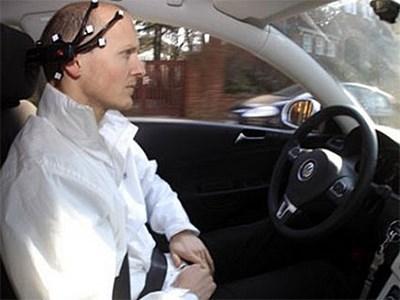 В Китае прошли успешные испытания автомобиля, управляемого при помощи мыслей