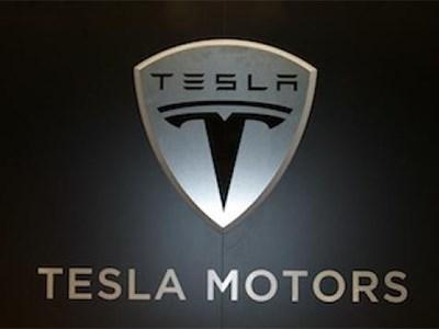 Tesla Motors теряет деньги