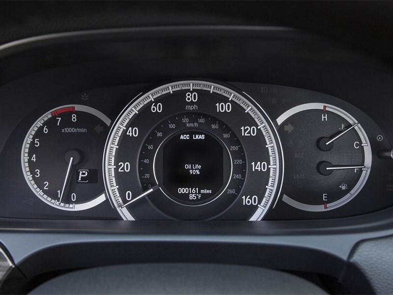 Honda Accord 2015 приборная панель