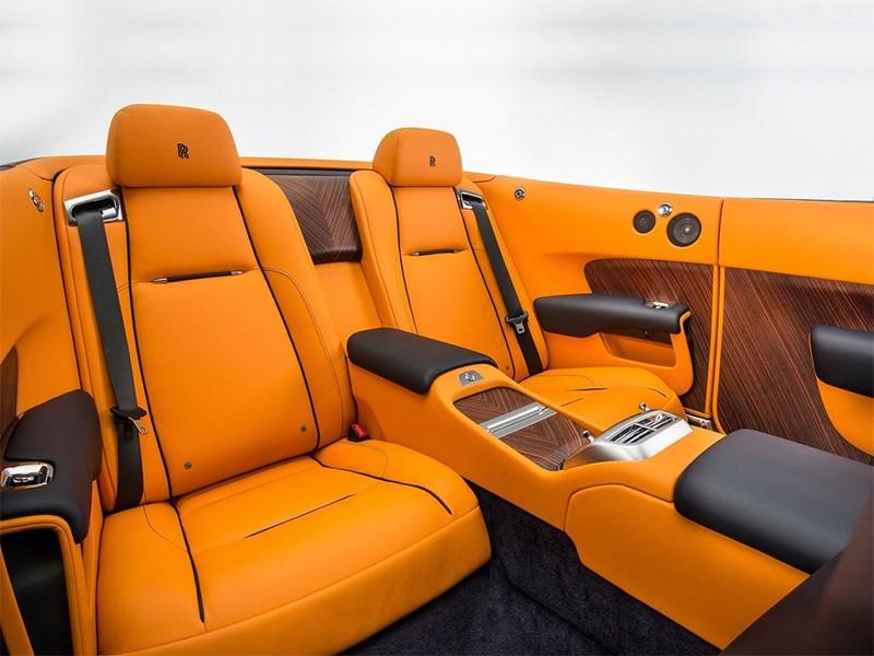 Rolls-Royce Dawn 2017 второй ряд