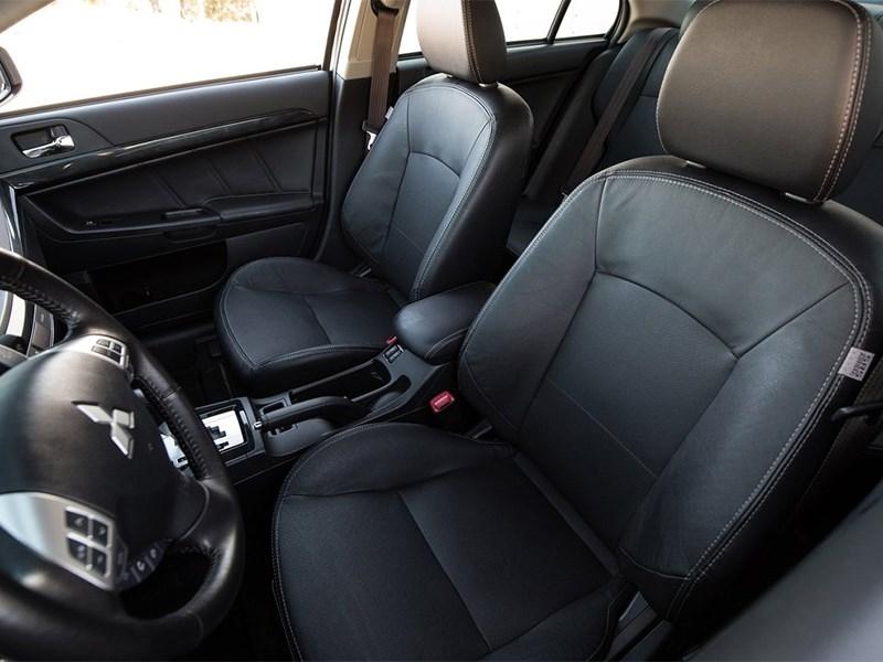 Mitsubishi Lancer GT 2016 передние кресла