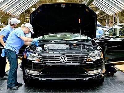 Volkswagen полностью остановил в США производство дизельных седанов Passat