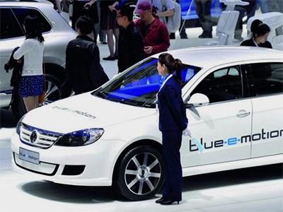 Китайский авторынок стал самым крупным рынком по продажам электромобилей в 2015 году