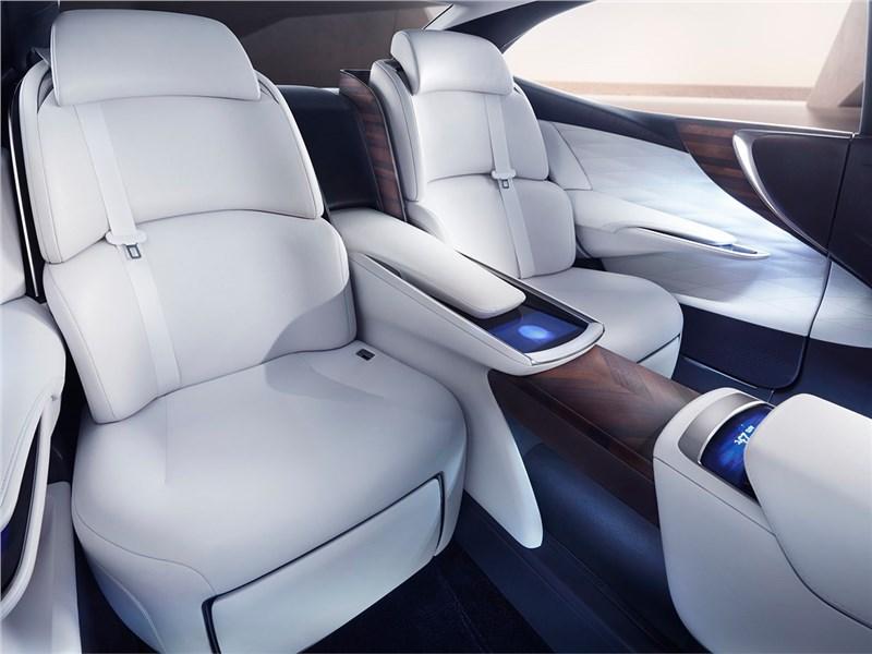 Lexus LF-FC 2015 задние кресла