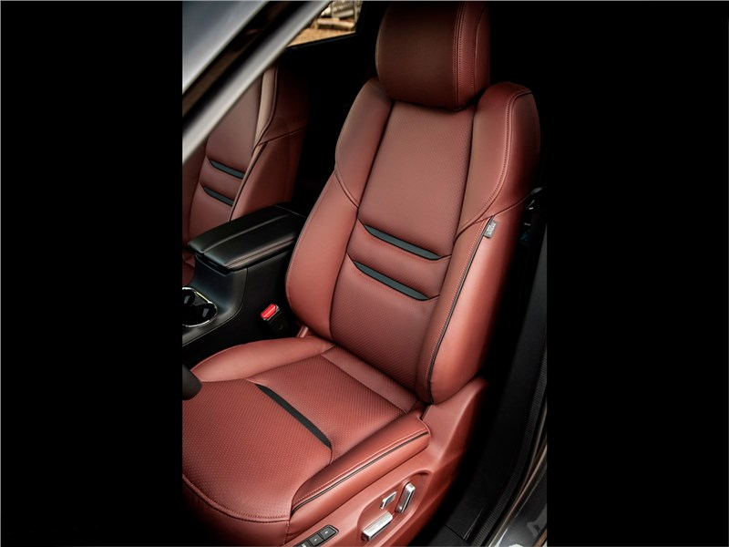 Mazda CX-9 2016 водительское сиденье
