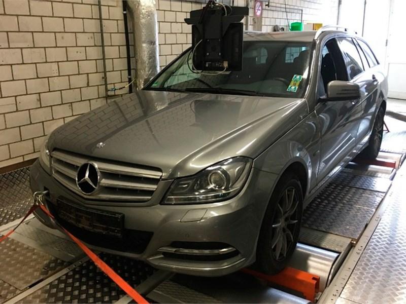 Daimler просит не впутывать его в экологические скандалы
