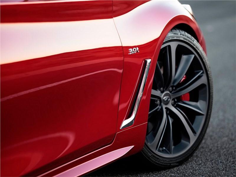 Infiniti Q60 2016 переднее колесо