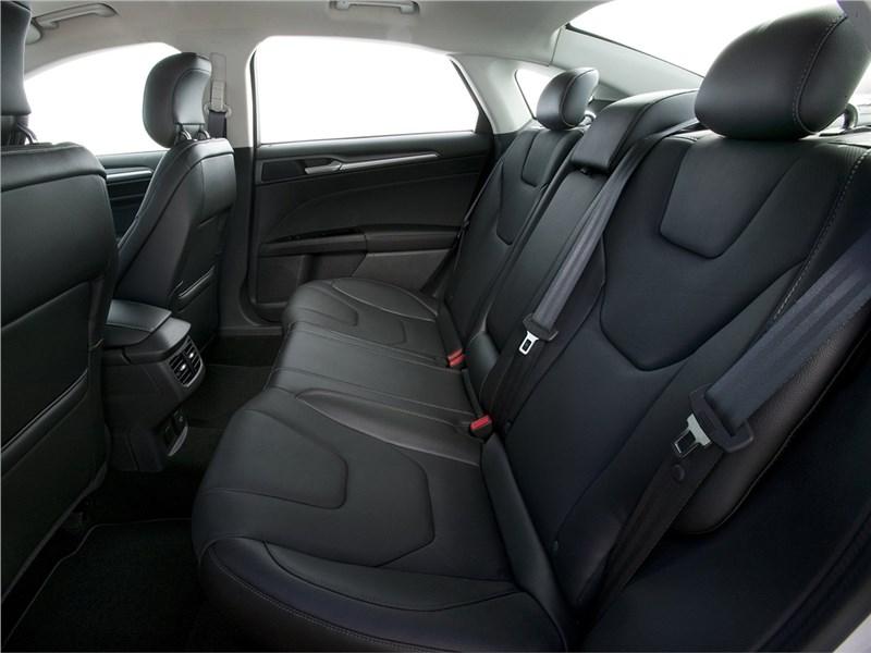 Ford Fusion 2012 задний диван