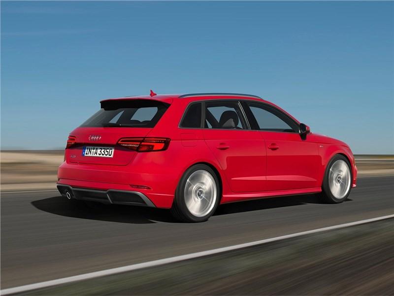 Audi A3 Sportback 2017 вид сзади